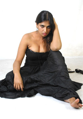 Actress bhuvaneshwari most stylish horny pictures