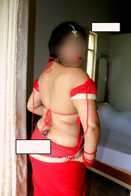 Newly Married Bhabhi Exhibiting Massive Boobs And Ass