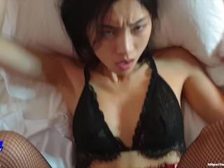June Liu / SpicyGum - Bad Santa Fucking Hard an Asian Girl (short) 刘玥