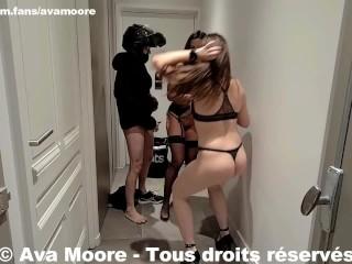 Ava Moore - Baisée par un livreur Ubereats avec Luna Rival - PORNO RÉALITÉ