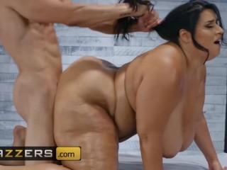 Brazzers - BBW Sofia Rose gets every inch massaged