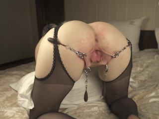 Pierced pussy fist herself and play with dildo in 4K