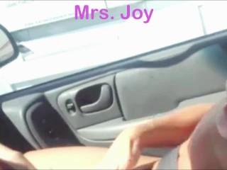 Masturbating In the Car For Truckers to Watch I Let Him Watch My Pussy Cum in Public