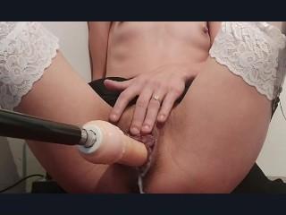 nimfomanka uwielbie być jebana przez najlepszą sex maszyne w kremową cipke