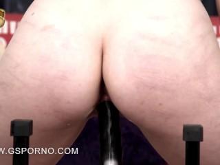 Fucking machines porn of Liz Rainbow