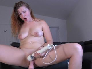 Fucking Machine Makes Her Pussy All Creamy