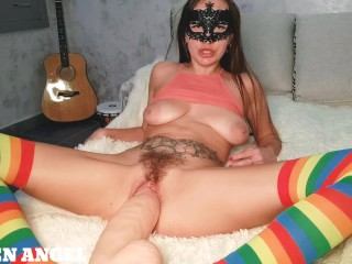 MINIATURE GIRL STRETCHES HER PUSSY WITH GIANT DILDO_SUPER GAPING