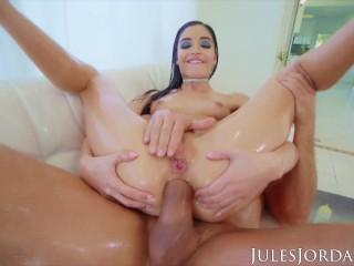 Jules Jordan - Emily Willis Has A Squirting Anal Orgasm