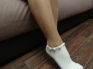 SEXY GIRL IN PANTYHOSE DRESSES AND SHOW SOCKS FOOT FETISH
